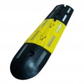 SH-R2113 微型橡膠減速墊<P>規格約:長21㎝*寬13.5㎝*厚度2.5㎝ ( 誤差±3% ) 有黑黃兩種顏色.收邊圓弧長14.5CM