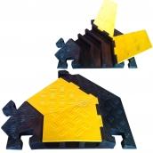 SH-R3690-45RL 橡膠3槽轉彎轉彎線槽<br>規格:主體橡膠材質,黃色塑膠蓋板,轉彎角度:45度 ( 有分左右 )<P>內槽尺寸約:左右寬6㎝*高5.5㎝,中間寬6.5㎝*高5.5㎝ ( 誤差±3% ),重約11.5kg