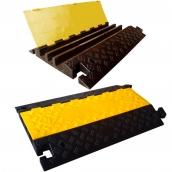 SH-R3690 橡膠3槽線槽<br>規格:主體橡膠材質,黃色塑膠蓋板<P>整體約:長89㎝*寬59㎝*高7.5㎝<br>內槽尺寸:左右約6.5㎝*高5㎝,中間約寬5.5㎝*高5㎝ ( 誤差±3% ),重約22.5kg