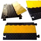 SH-R5690 橡膠5槽線槽<P>規格:主體橡膠材質,黃色塑膠蓋板<P>整體約:長89㎝*寬59㎝*高7.5㎝<P>內槽尺寸約:寬3.5㎝*高5.2㎝ ( 誤差±3% ),重約22.5kg