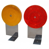SH-D10B L型底座反光導標<p>說明:可搭配紅/黃反光片