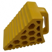 SH-P21 小型PVC車輪塞<P>含把手-整體規格約:長20㎝*寬10㎝高14.5㎝ ( 誤差±3% )重量約1.4KG<P>於小型車停止時置於輪胎前後防止滑行